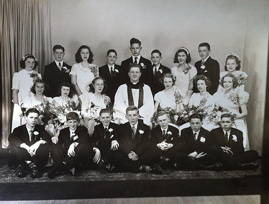 Pastor Vesper with the Confirmation Class of 1946